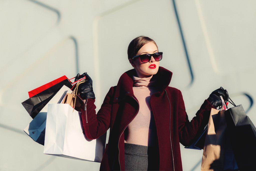 服買いすぎた金持ち大学生